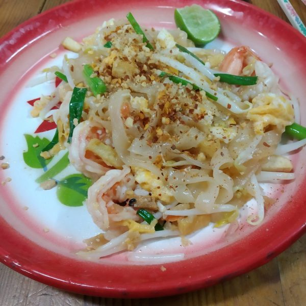 cooking with poo pad thai cookery class