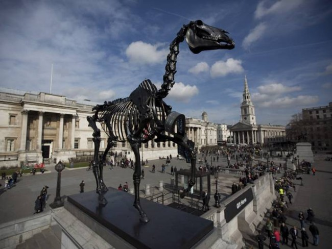 4-gift-horse-by-hans-haacke-on-the-fourth-plinth-london-650x488