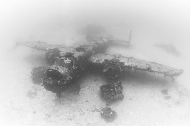 Here's-what-World-War-II-planes-now-look-like-in-their-underwater-graves6-650x433