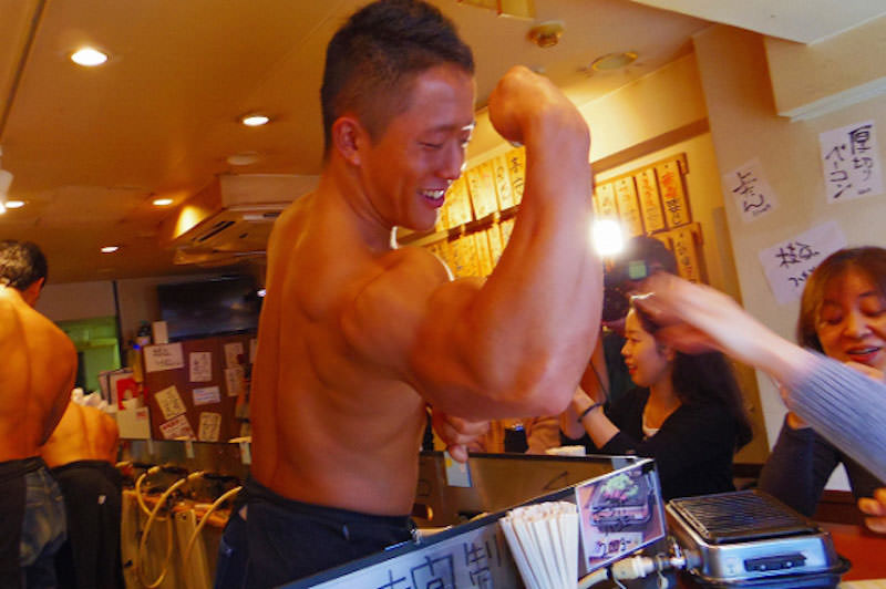 Get-served-beef-by-a-beefcake-in-this-restaurant-in-Japan21