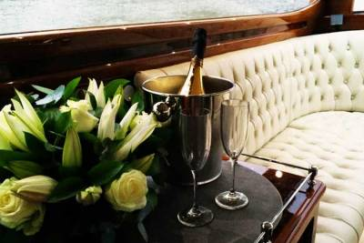 ThamesLimo_Gallery_Champagne