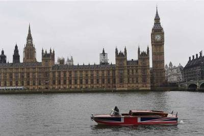 ThamesLimo_Gallery_River-Boat-Parliment-View