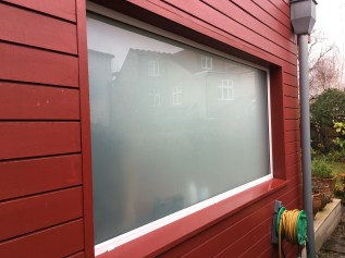 Fixed window with obscure glass