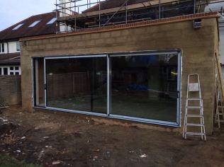 Large width sliding aluminium doors