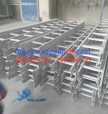 Sản xuất thang máng cáp 450x100
