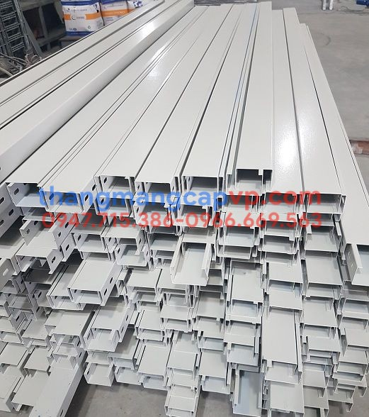 máng cáp 60c40. cable trunking 60x40