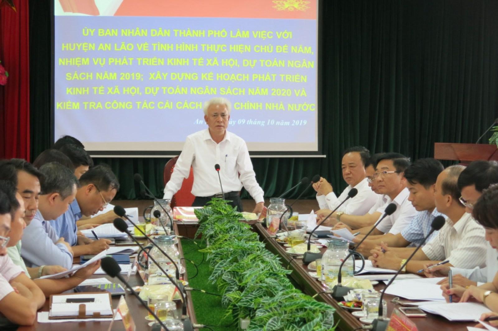 Phó Chủ tịch UBND TP Nguyễn Đình Chuyến yêu cầu huyện An Lão tập trung cao thu ngân sách những tháng cuối năm