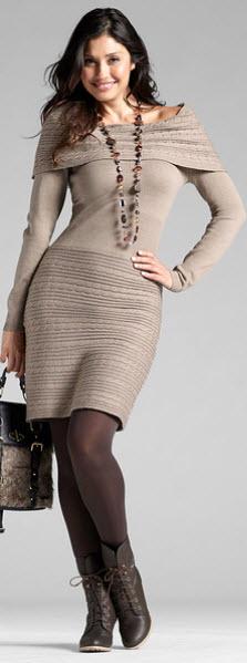 rochii tricotate cu guler oversized din material moale