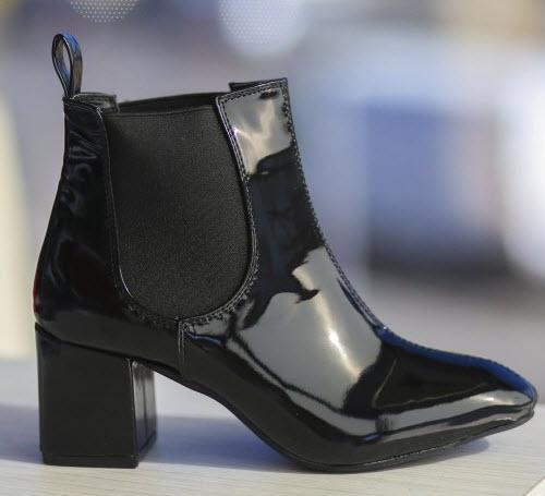 botine negre cu toc scurt din piele neagra lacuita cu elastic