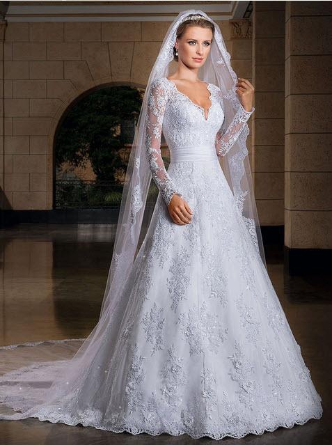rochie de mireasa lunga cu trena
