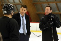 BONES: L-R: David Boreanaz and guest star Jeremy Roenick in the ÒThe Head in the AbutmentÓ episode of BONES airing Thursday, June 16 (8:00-9:00 PM ET/PT) on FOX. ©2016 Fox Broadcasting Co. Cr: Patrick McElhenney/FOX