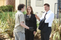 "BONES: L-R: Guest star Eric Millegan, Emily Deschanel and David Boreanaz in the ""The Final Chapter: The Hope in the Horror"" season premiere episode of BONES airing Tuesday, Jan. 3 (9:01-10:00 PM ET/PT) on FOX. ©2016 Fox Broadcasting Co. Cr: Ray Mickshaw/FOX"