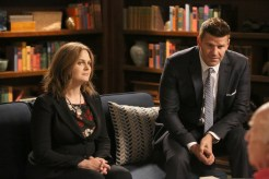 """BONES: L-R: Emily Deschanel and David Boreanaz in the """"The New Tricks in the Old Dogs"""" episode of BONES airing Tuesday, Jan. 17 (9:01-10:00 PM ET/PT) on FOX. ©2016 Fox Broadcasting Co. Cr: Patrick McElhenney/FOX"""