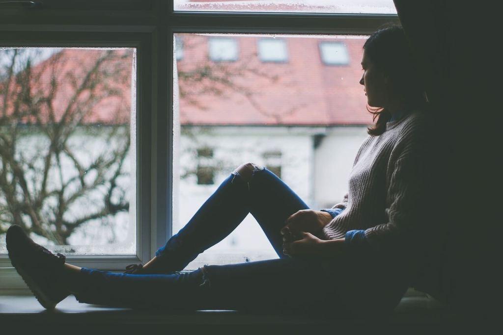 اسباب اعراض علاج اكتئاب ما بعد الولادة