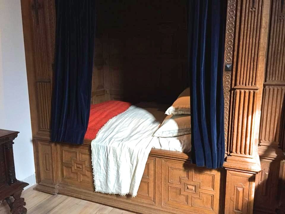 2 Days In Amsterdam - Travel Tales: Rembrandthuis Box Bed