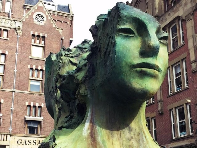 One Day In Amsterdam - Statue