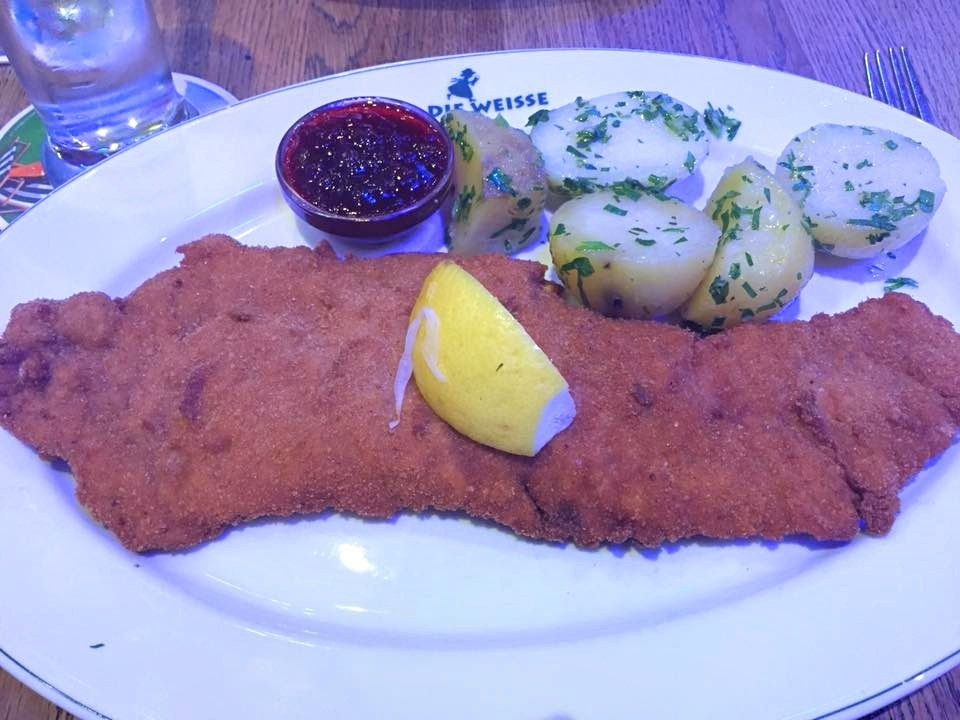 7 Foods You Must Try In Germany And Austria Weiner Schnitzel