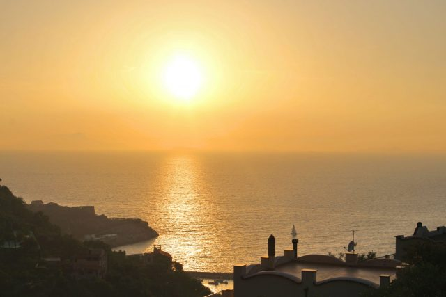 Amalfi Coast - The 5 Best Things To Do For Free - Sorrento Sunset