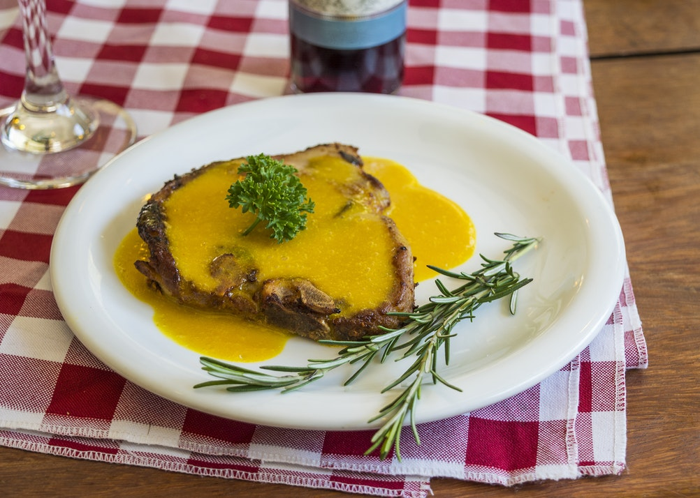 Steak in cream sauce, Prague