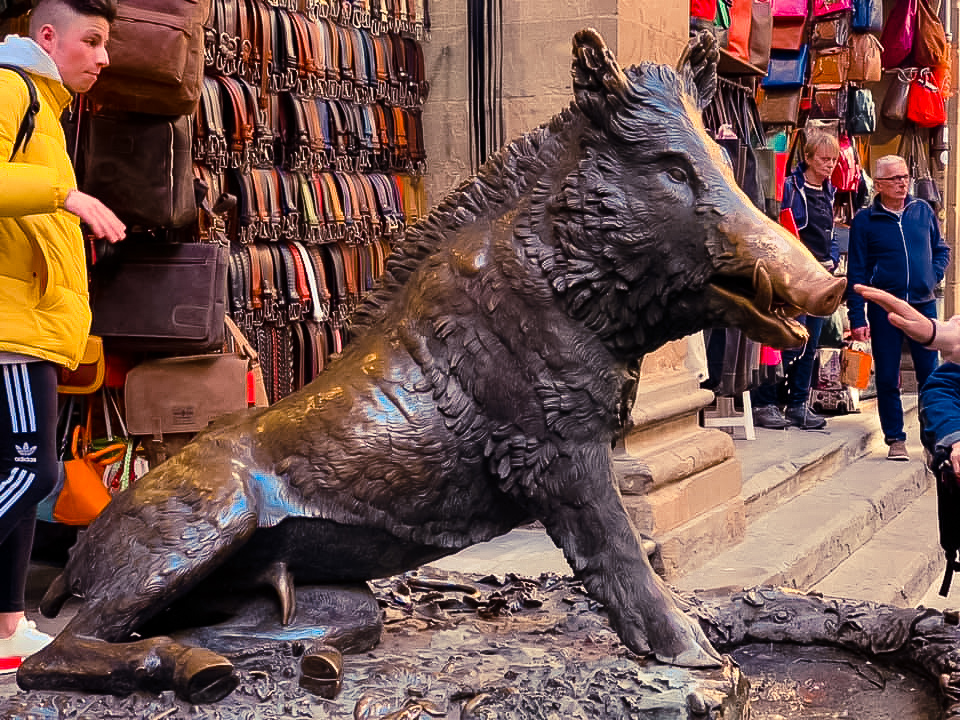 Large statue of a wild boar - 2 days in Florence itinerary