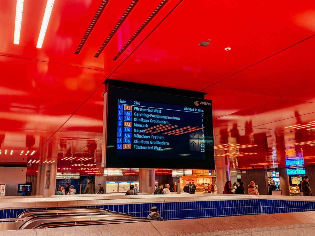 A Munich public transport board showing the next trains to arrive on the U3 and U6 lines