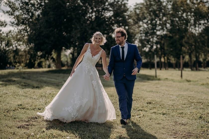 overgrown acres weddings - nottingham outdoor wedding venue - field wedding - tipi wedding venue east midlands 3
