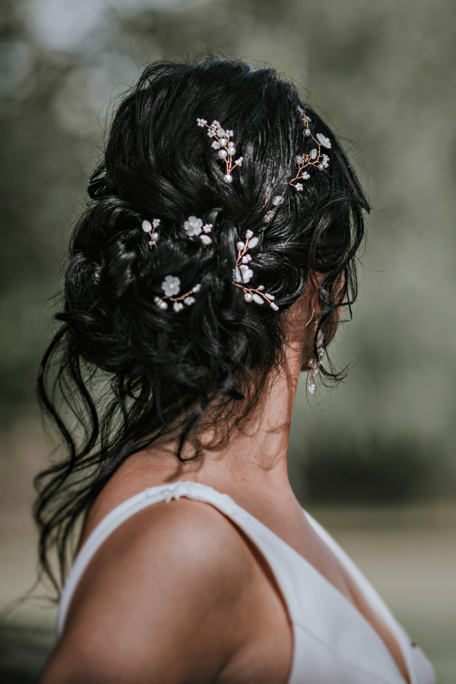 Woodland Wedding - nottingham outdoor wedding venue - east midlands wedding planner - bridal hair accessories - elegant bridal hair