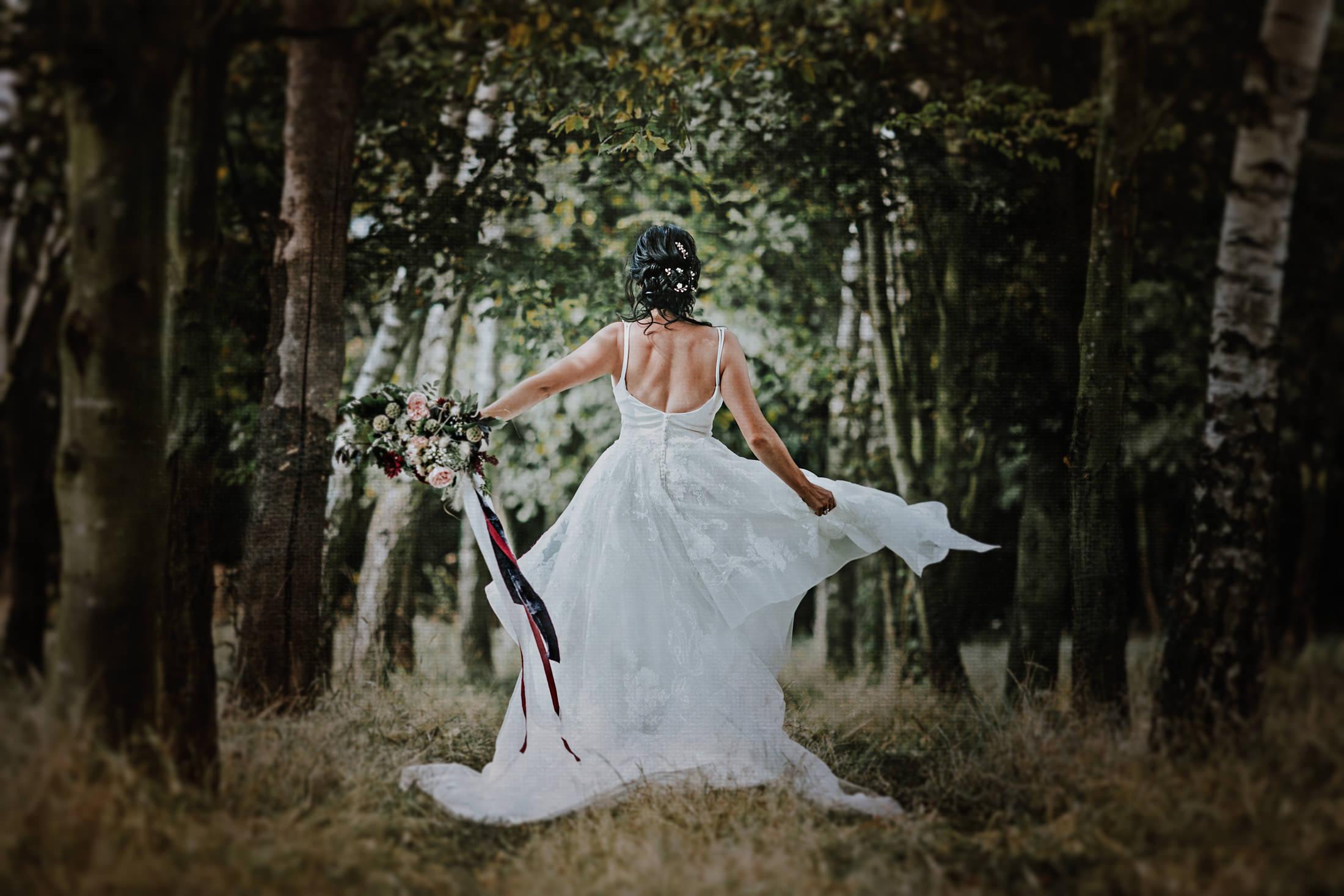 Woodland Wedding - nottingham outdoor wedding venue - east midlands wedding planner - elegant outdoor wedding