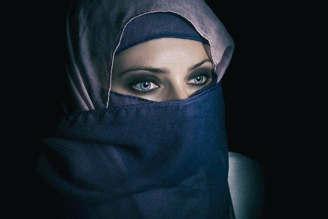 Tips Memilih Warna Hijab Sesuai Warna Kulit (hijab cantik)