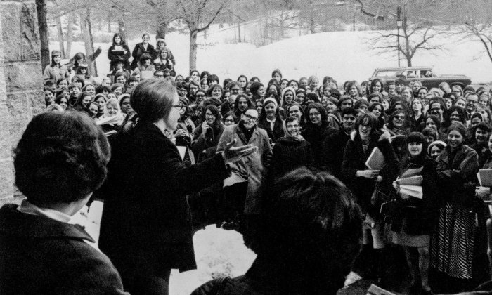 hillary-clinton-wellesley-1967-by-karin-rosenthal