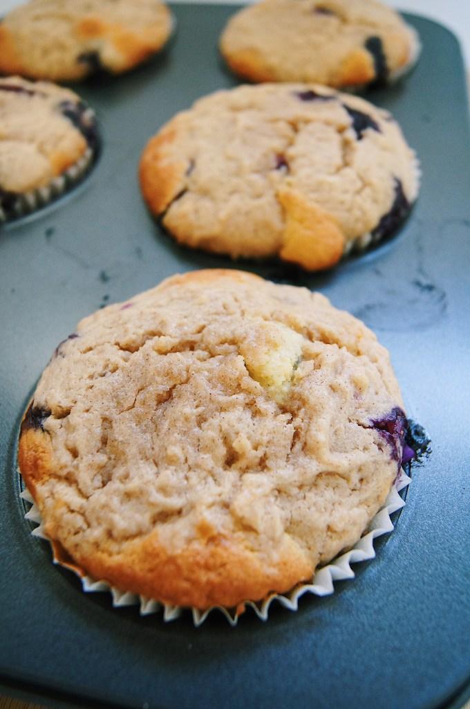 Jumbo-Lemon-Blueberry-crumb-muffins-in-muffin-tin