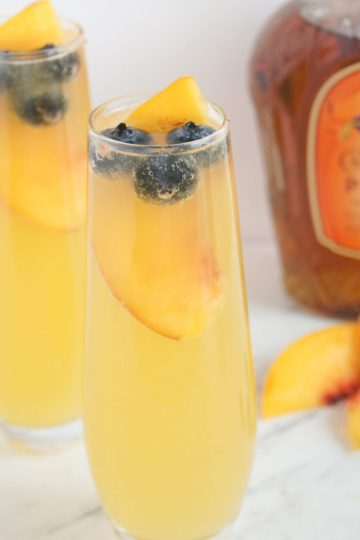 Royal-Peach-Fizz-Cocktail-3