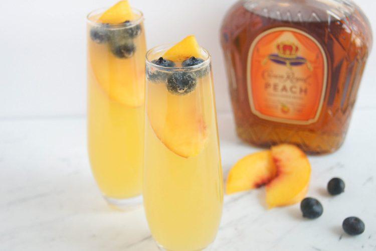 Royal-Peach-Fizz-Cocktail-3