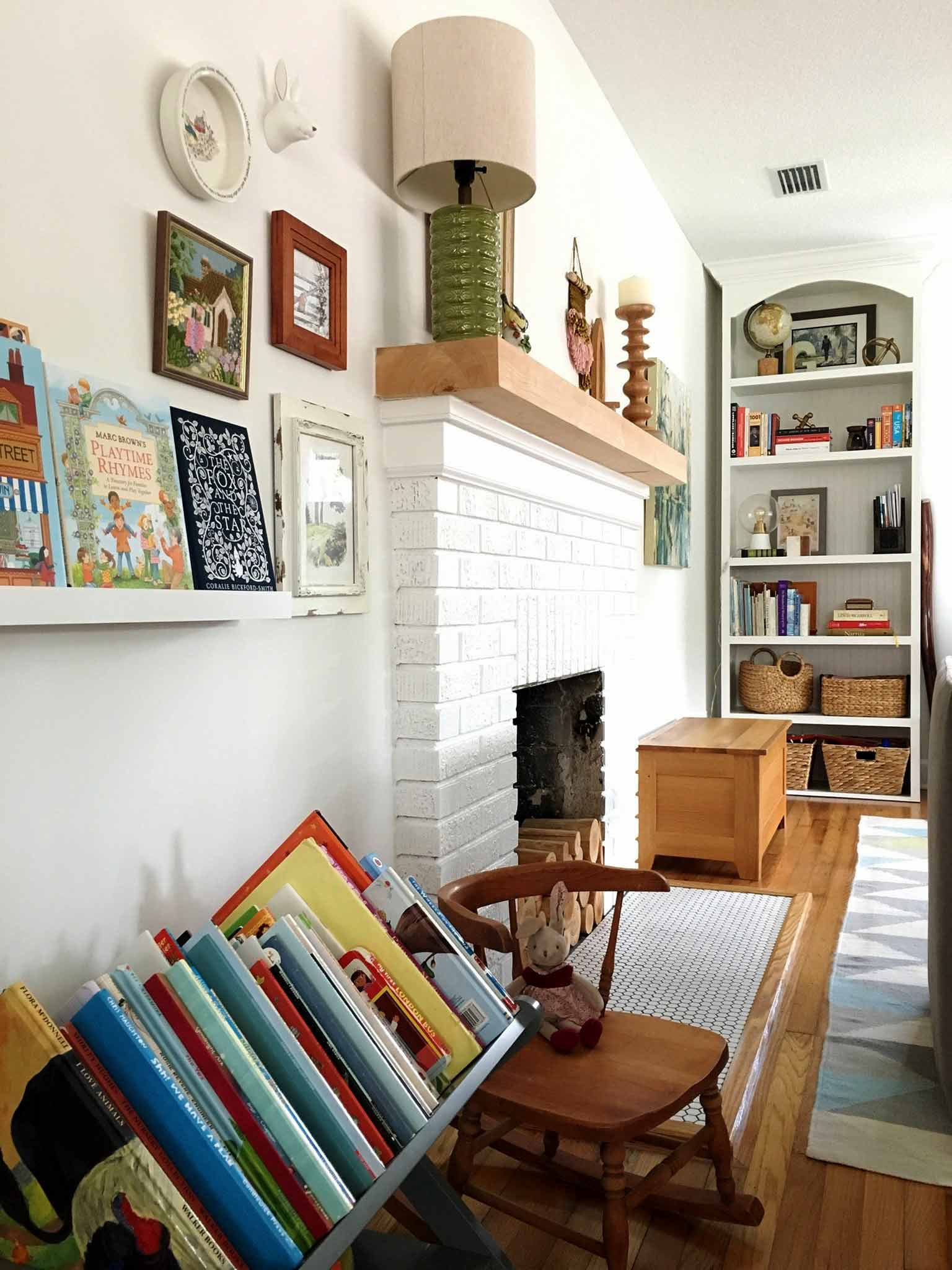 How To Declutter Organize And Style Kids Books