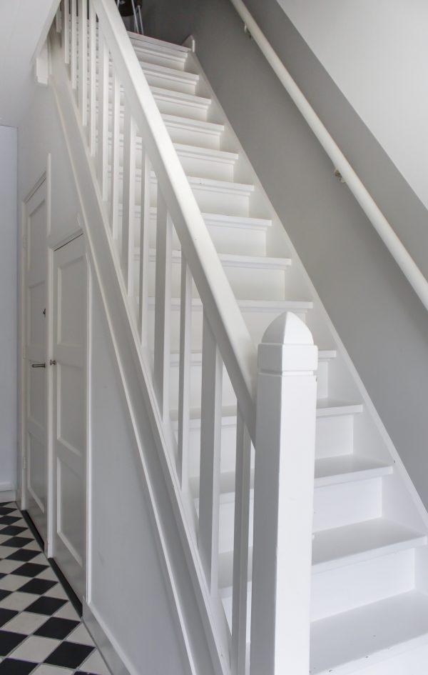 trap, hal, gang, jaren 30 huis, trap jaren 30 huis, oud huis kopen, ouder huis kopen, tips bij oud huis kopen, thathomepage, interieur, interieurinspiratie