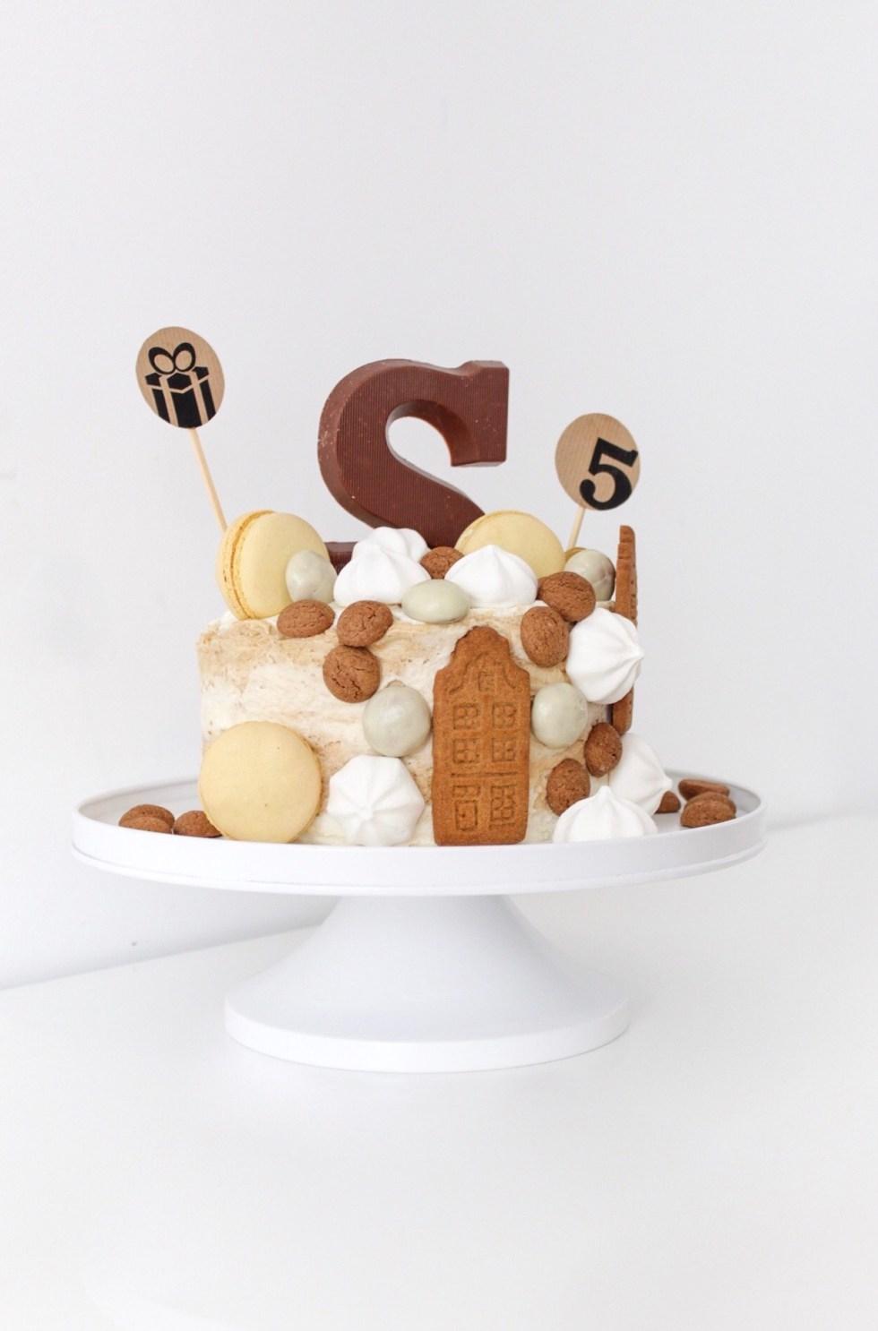 Sinterklaastaart, Sinterklaas, Sinterklaas taart, taart, taarten, taart decoreren, taart maken, kant-en-klare taart, taart decoratie, snelle taart, hazelnootschuimtaart, inspiratie, thathomepage, (th)athomepage