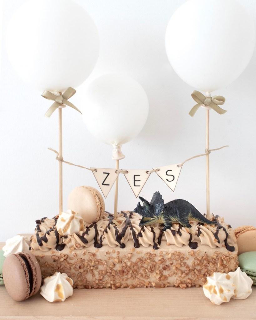 dinofeestje, dinotaart, diepvriestaart, taart decoreren, kinderfeestje, dino, diepvriestaart decoreren, taart, taartdecoratie, feestje, kinderverjaardag, inspiratie, thathomepage, (th)athomepage