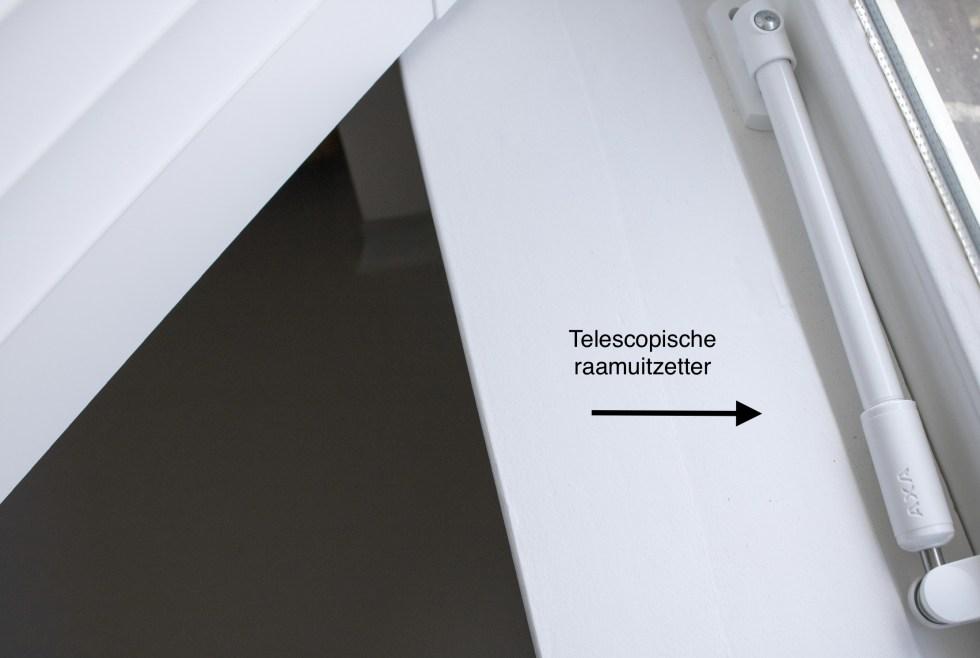 telescopische raamuitzetter