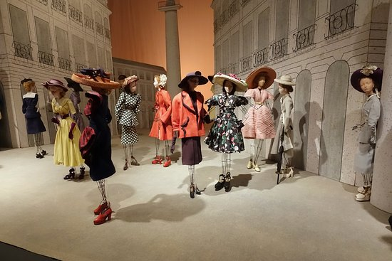 fashion dolls from the 'Theatre de la Mode', now at the Maryhill Museum of Art in Washington State.