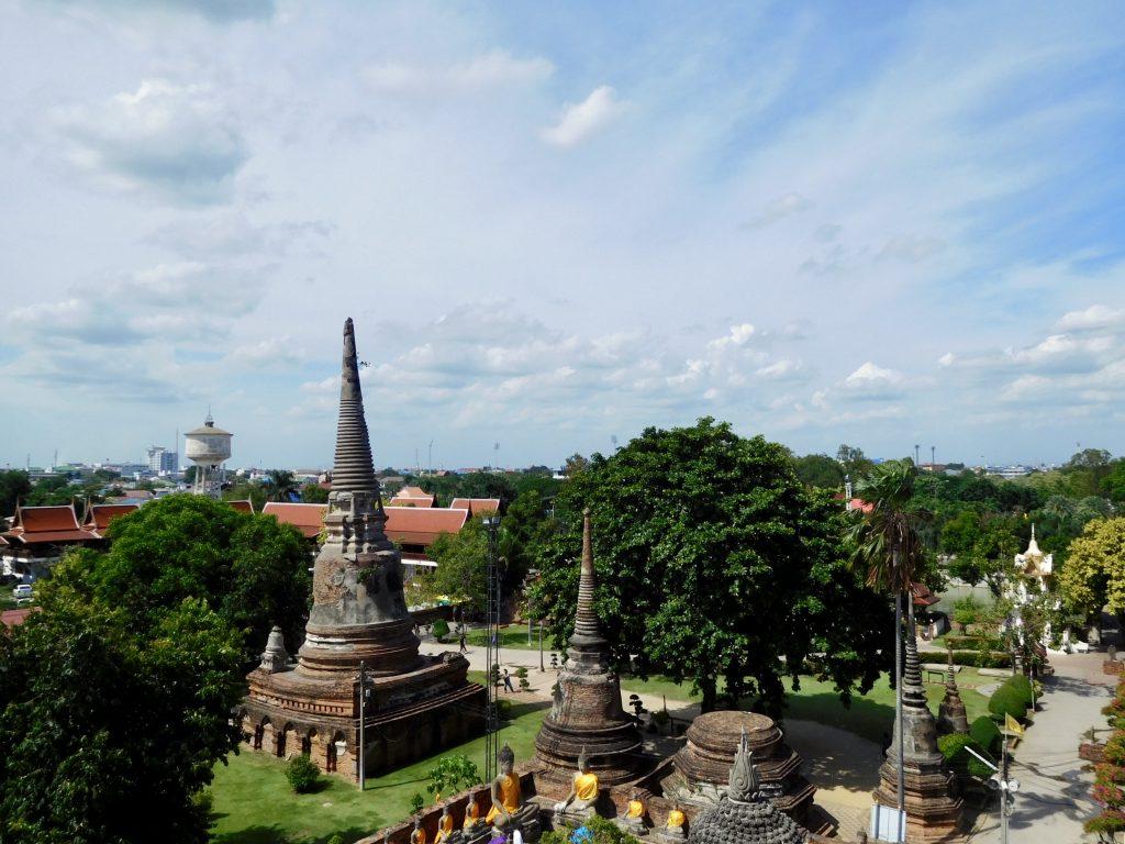 Tempelcomplex Wat Yai Chai Monhkhon in Ayutthaya, Thailand