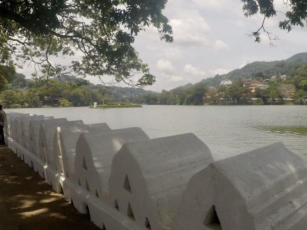 Uitzicht over Kandy Lake