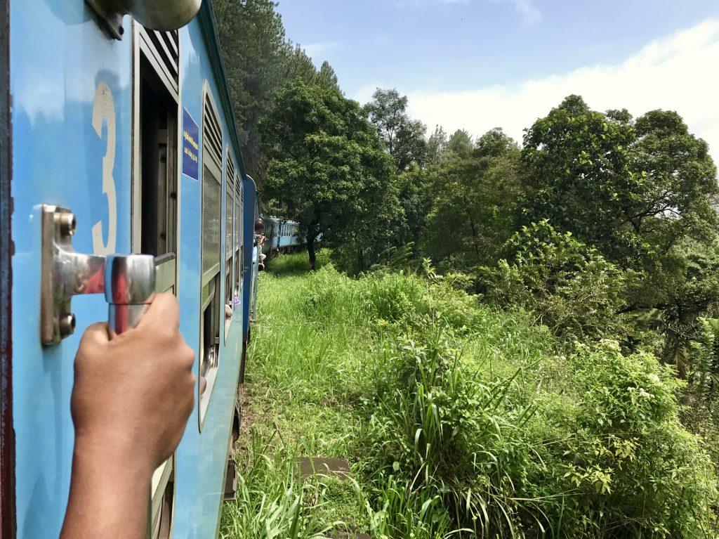 De beroemde treinreis van Kandy naar Ella