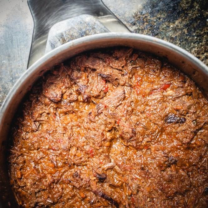 Arepas con Carne Mechada