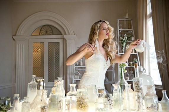 White-Queen-Bridal-Fashion-Shoot-Wedding-Photographer-Jacki-Bruniquel-1-788x524