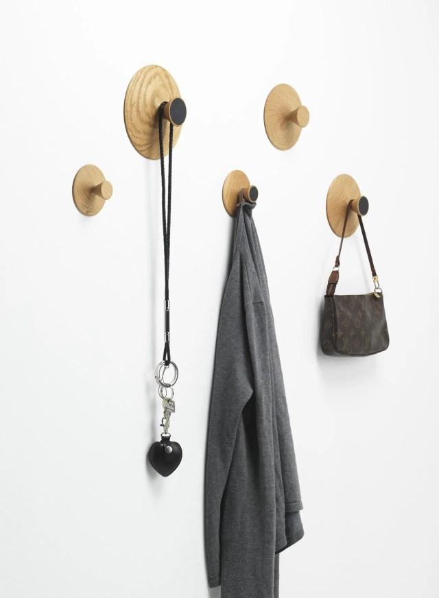 Slikovni rezultat za Creative wall hooks door keys linked to the home entrance