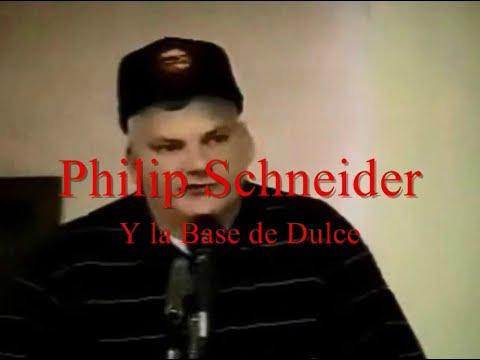 Philip Schneider y la Base de Dulce, Por Andre Lui