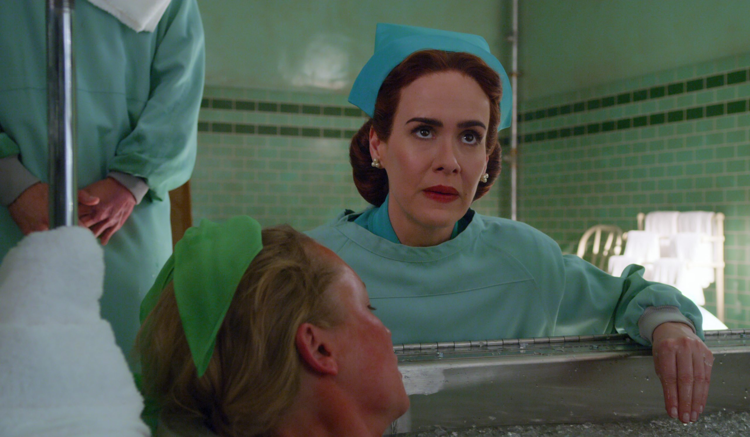 Ratched Review: Sarah Paulson Flies Over the Cuckoo's Nest