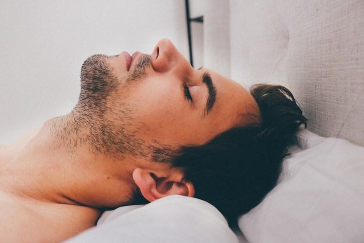 sleep paralized