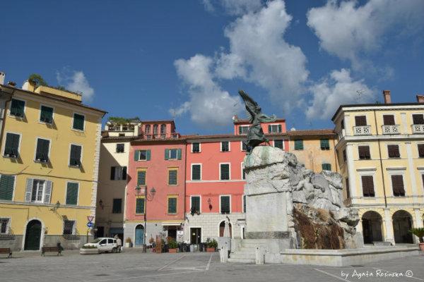 Sarzana, gdzie mieszkał sam Dante Alighieri!
