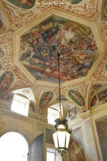 atrium via Garibaldi